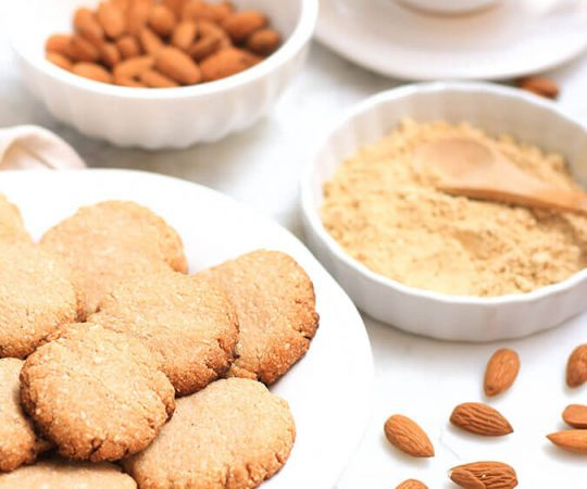 These gluten free ginger snaps are low carb, high protein and super healthy because of the almond flour dough.